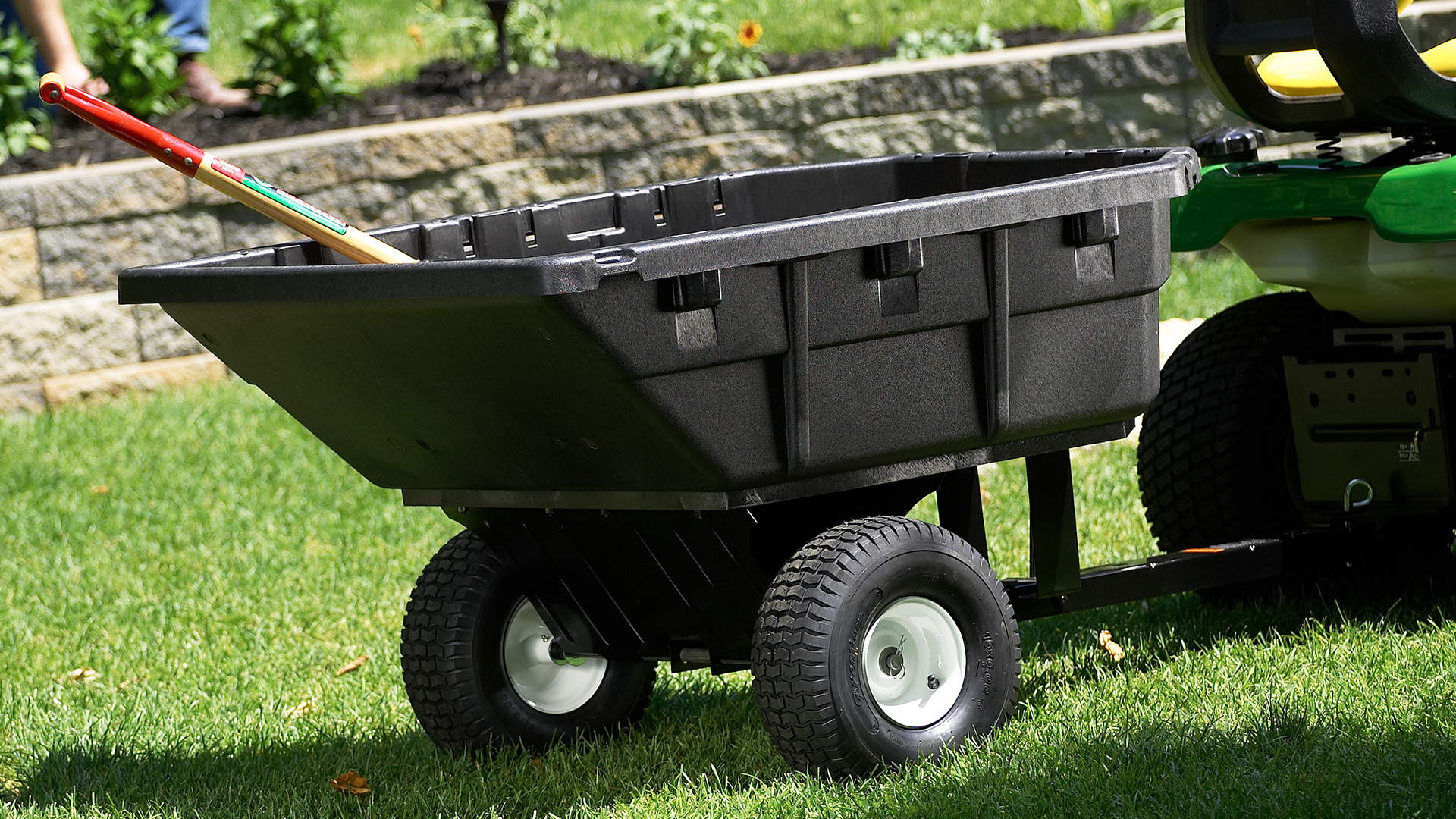 priority_designs_lawn_and_garden_cart_design_and_engineering_005